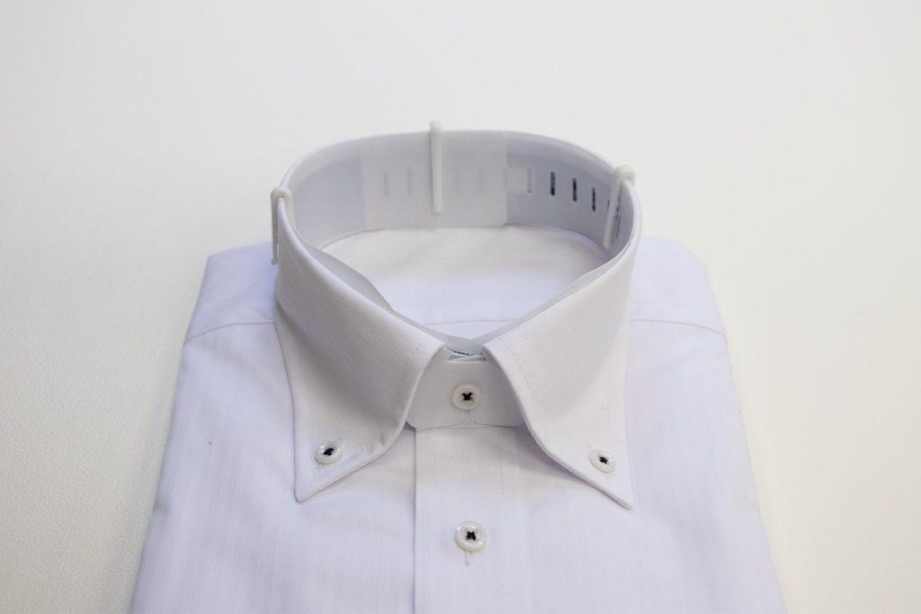 炭酸カルシウム素材の樹脂成型品シャツ襟キーパーと蝶キーパー