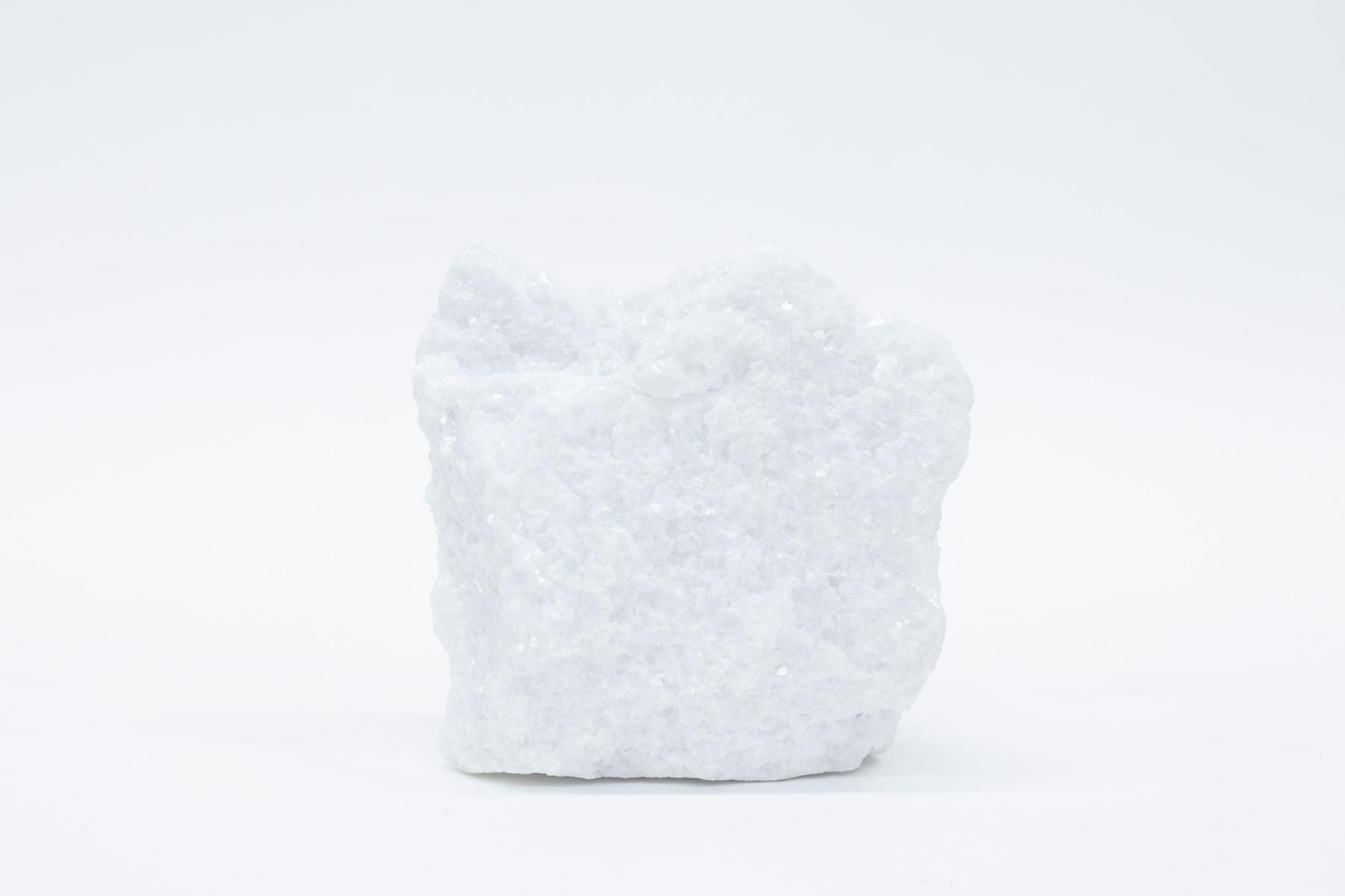 炭酸カルシウムの原料である国産石灰石